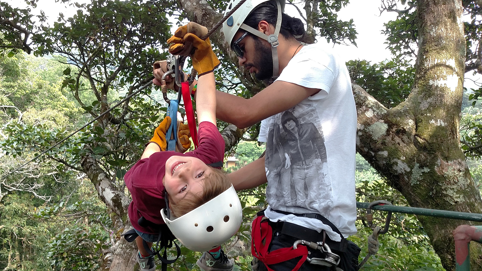 Nomad America canopy tour in Costa Rica with kids