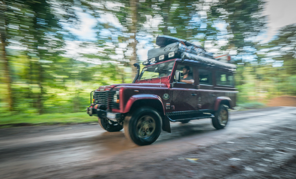 Renting a Land Rover Defender in Drake Bay - 4x4
